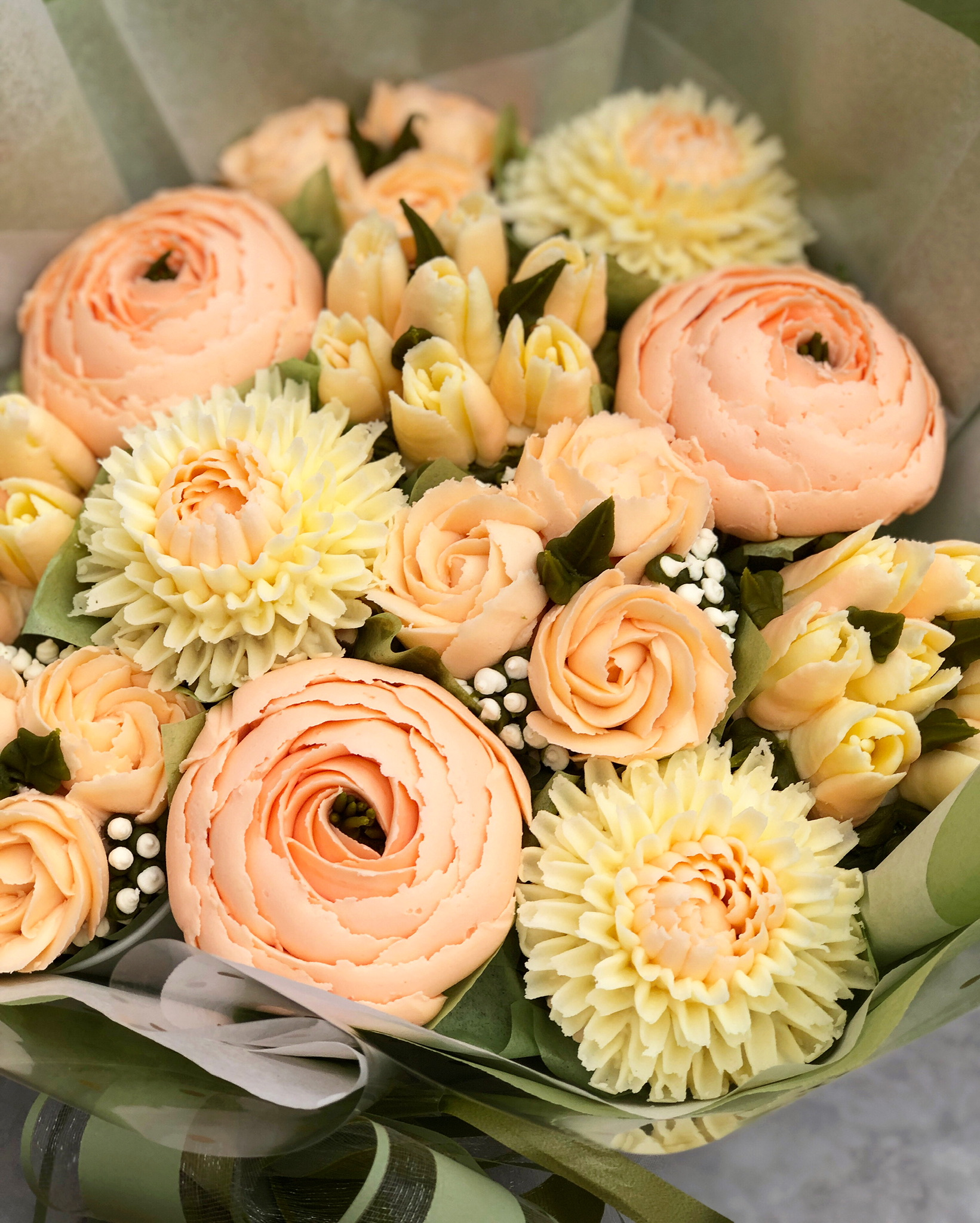 Betty Bouquet Taylor Made Cakes Of Tenterden Deluxe Bouquet