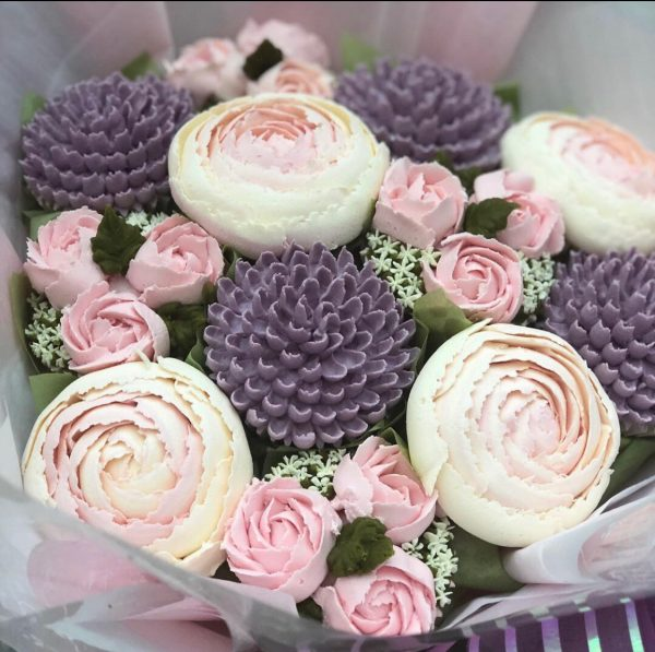 cupcake bouquet, taylor made cupcake bouquet, taylor made cakes,